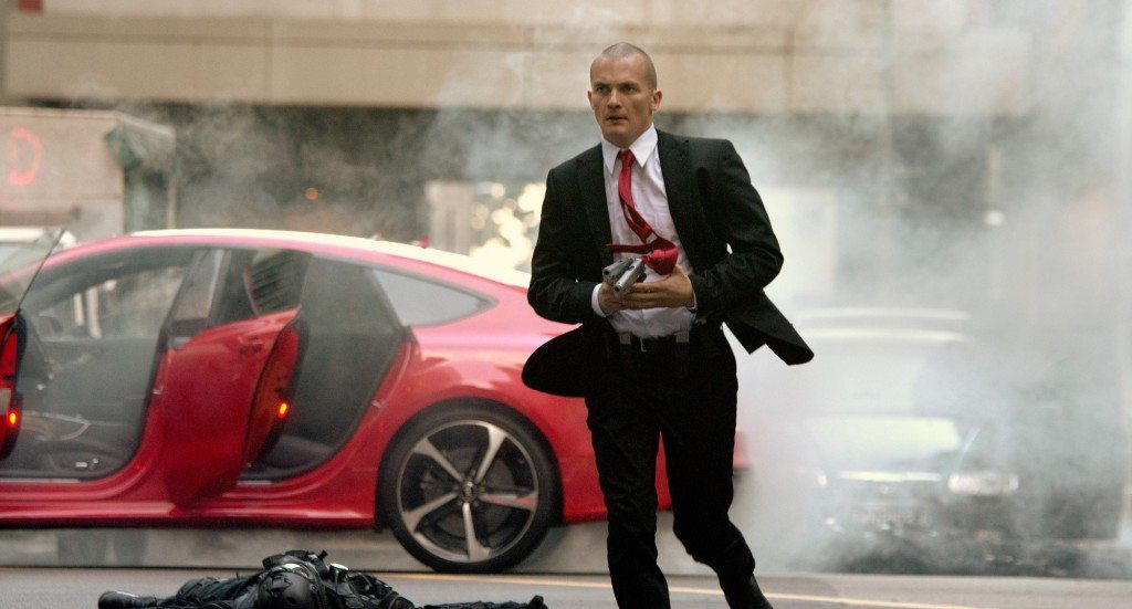 hitman-agent-47-red-car